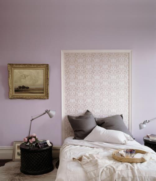 Tête De Lit Avec Du Papier Peint Et Un Cadre En Bois Chambre A - Tete de lit cadre photo