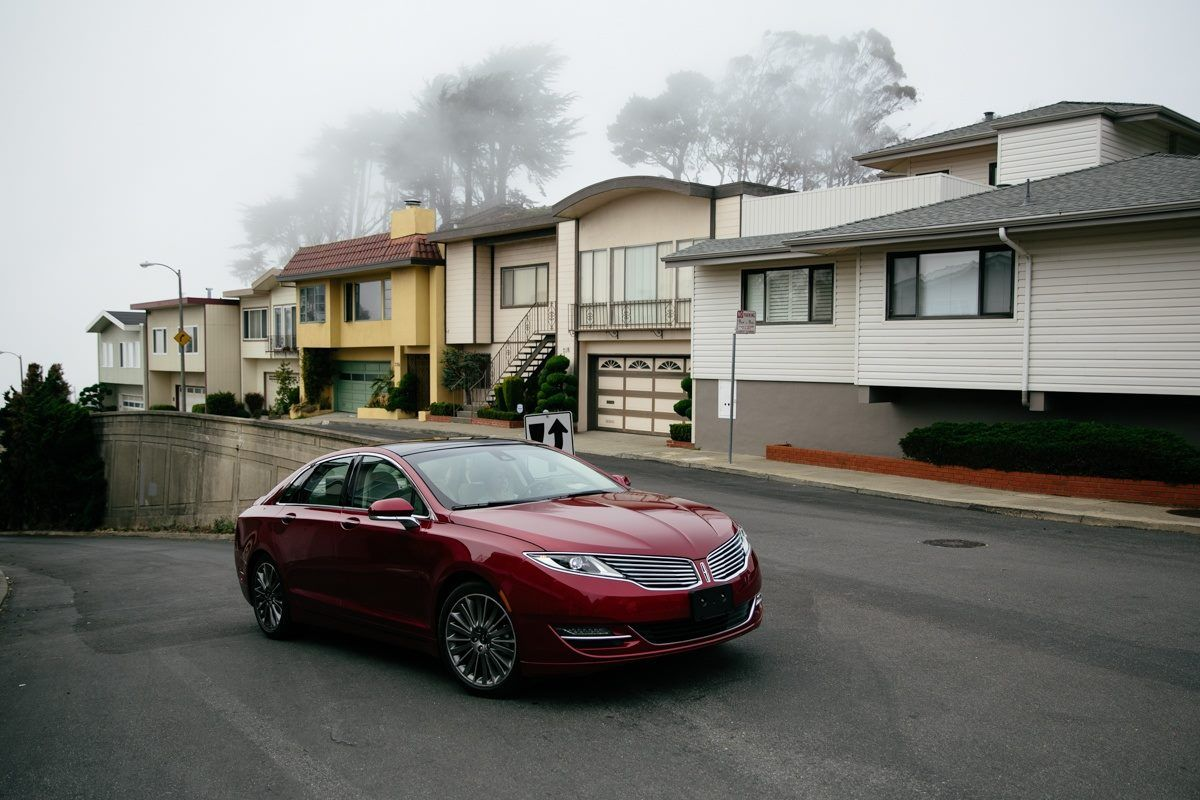 Don T Ask Your Date To Help You Parallel Park The Lincolnmkz Has Park Assist For That Lincoln Mkz Luxury Sedan Lincoln