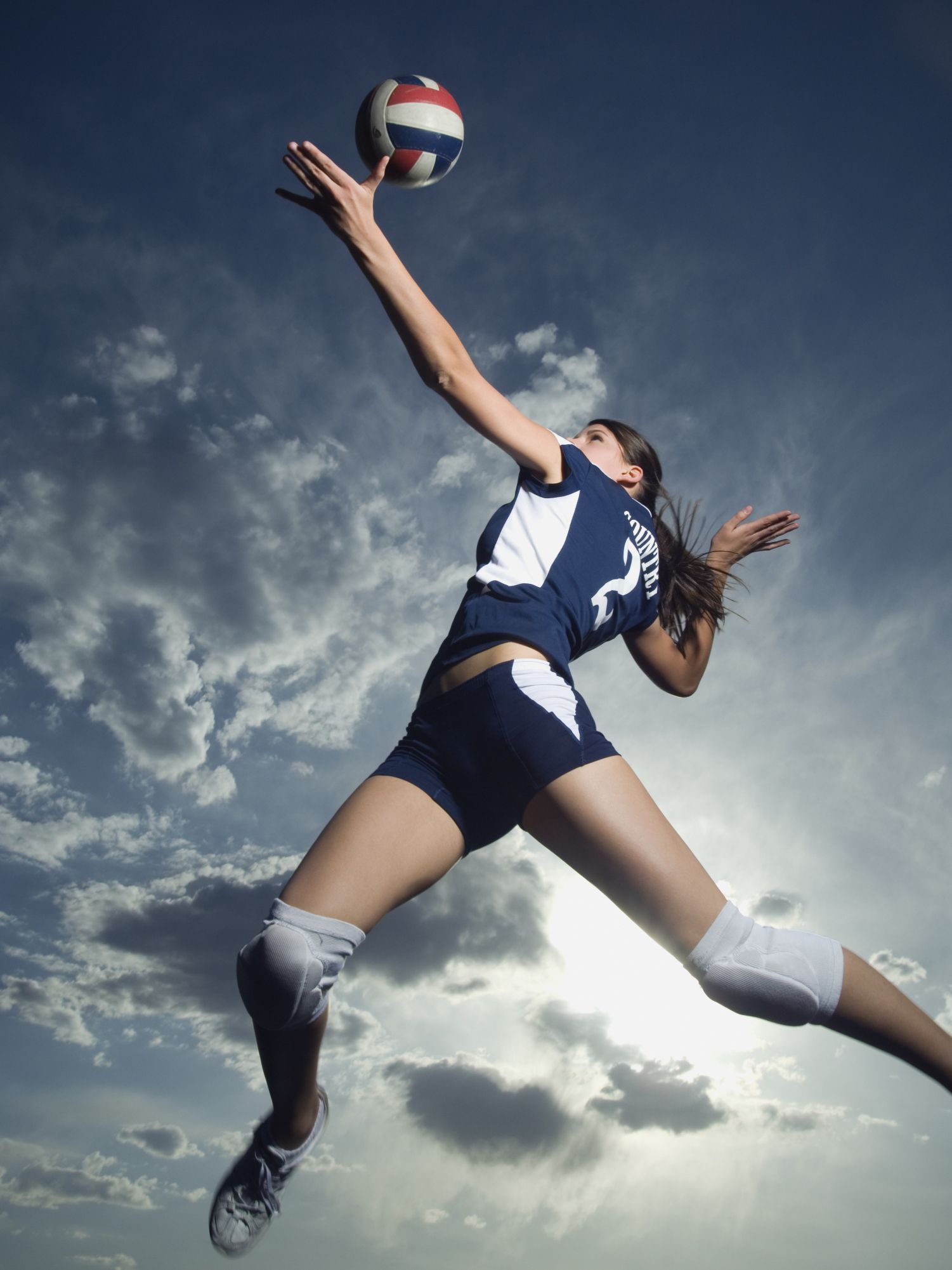 How To Successfully Complete The Jump Serve In Volleyball Volleyball Photography Volleyball Poses Volleyball Photos