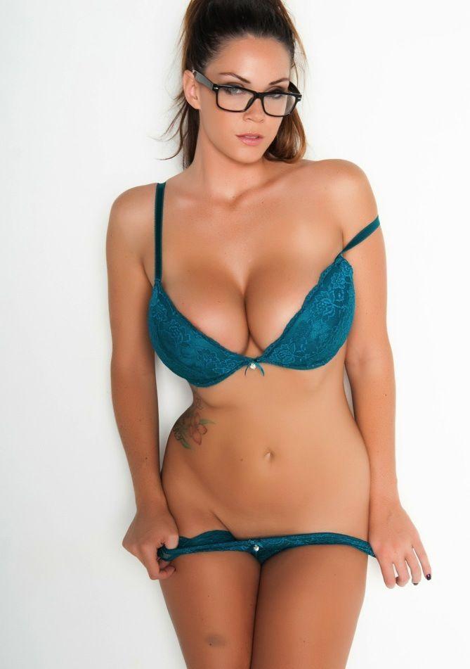 Bitties boob bra cleavage prom tit