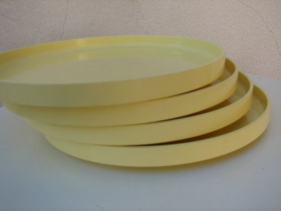 Ers 1970 Heller Design by Massino Vignelli plastic plates in soft yellow tone total 4 size is x Condition is good vintage wear two minor chips on rim of ... : plastic wear plates - Pezcame.Com