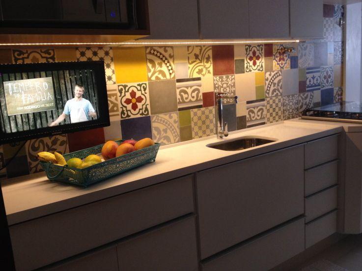 Cozinha com ladrilhos hidr ulicos decor pinterest house - Ladrillo hidraulico ...