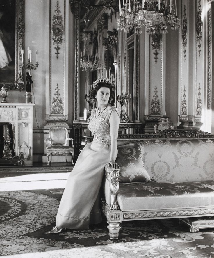 Queen Elizabeth II, Cecil Beaton, White Drawing Room, Buckingham Palace, 1968