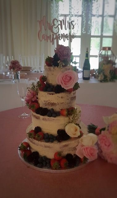 Semi Wedding Cakes Are A Huge Trend Perfect For Your Rustic Reception
