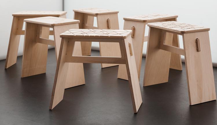 Banco johann laser y cnc sillas de madera disenos de for Banqueta escalera plegable