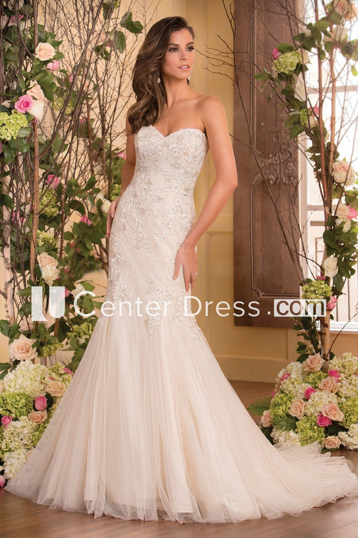 Sweetheart Mermaid Gown With Bow Tie And Appliques | Mermaid gown ...
