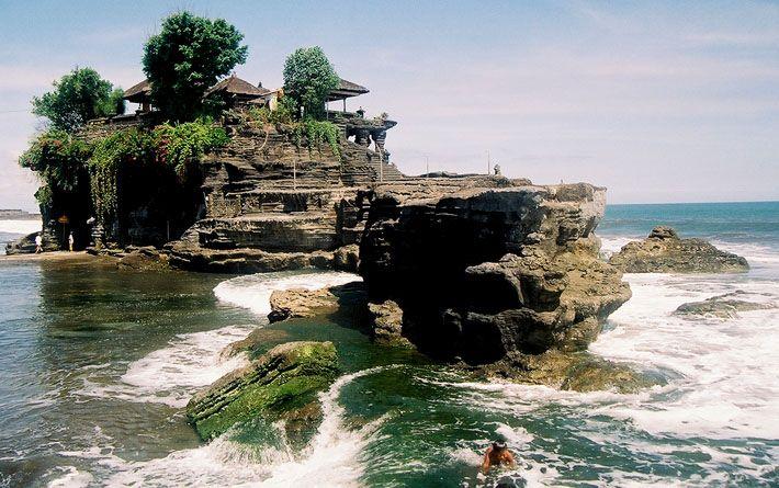 Tanah-lot, Bali, Indonesia