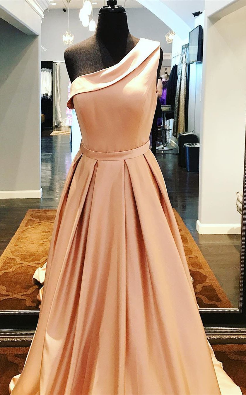 One Shoulder Gowns 2018