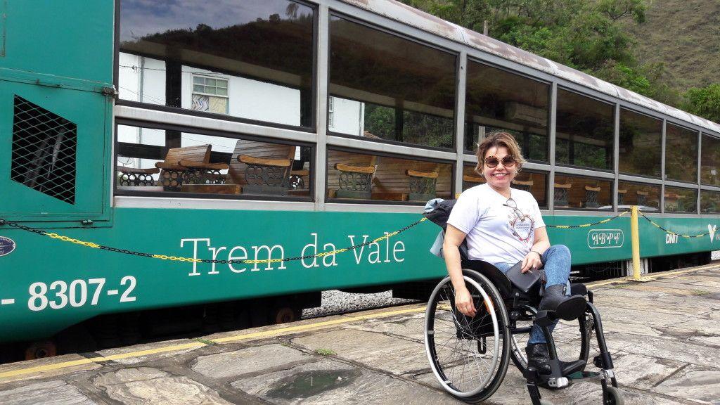 Este é o vagão panorâmico do Trem da Vale que faz o trajeto Ouro Preto - Mariana / http://cadeiravoadora.com.br/passeio-de-trem-de-ouro-preto-a-mariana-acessibilidade/