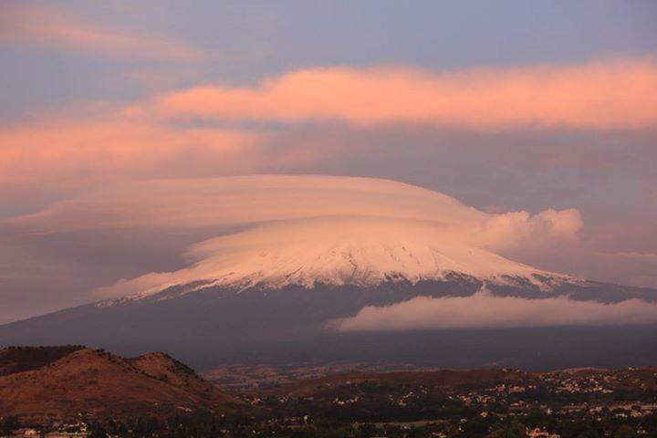 El amanecer del volcán popocatepetl