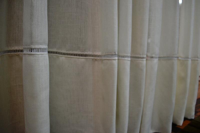 Cortina de linho com detalhe em ponto palito ideias - Barras de cortina ...