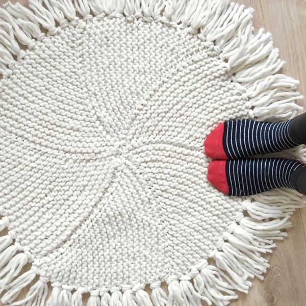 Maggie Round Rug Knitting Kit (With images) | Rug pattern ...