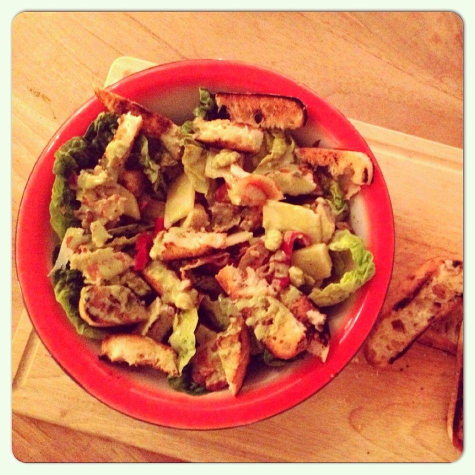Na de tapas van gister vandaag maar weer #gezond. #caesarsalade met stokbrood. #healthy #salade #foodies #foodporn #chicascooking