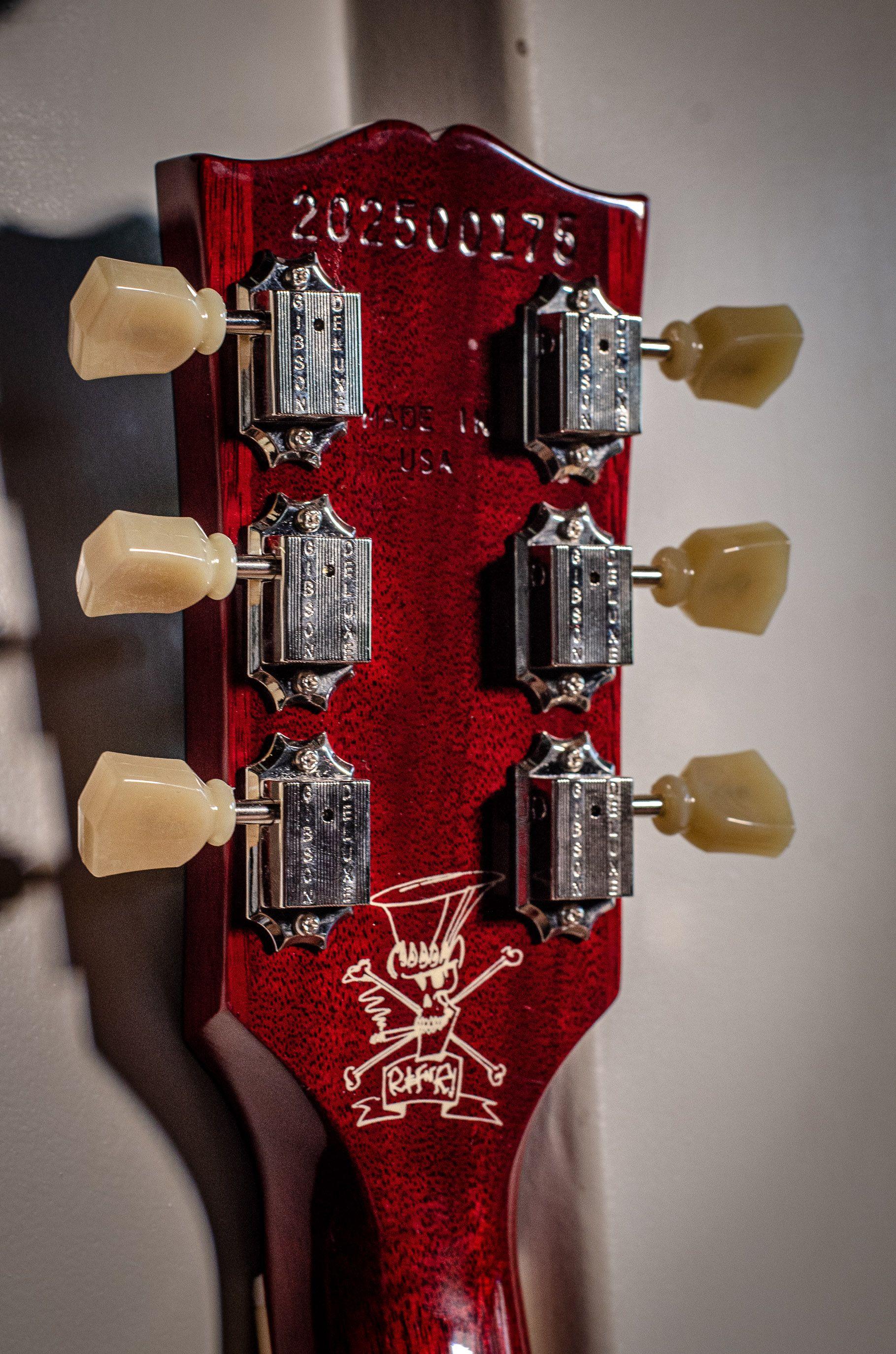 Pin Van The Fellowship Of Acoustics Op Electric Guitars In 2020 Gibson Gitaren Gibson Les Paul