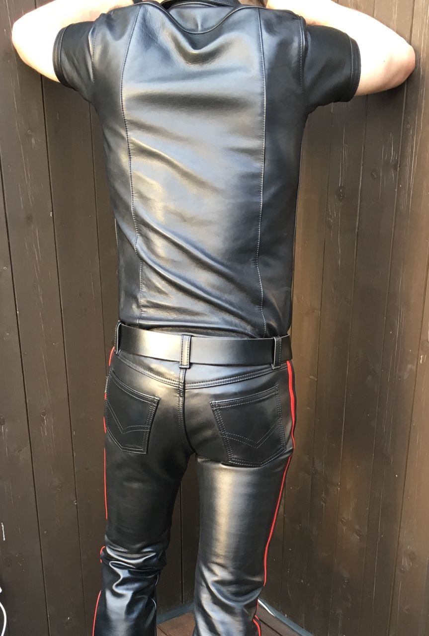 Oh God ! Leather !!! — men-in-leather: I'm selling my Mr S ...