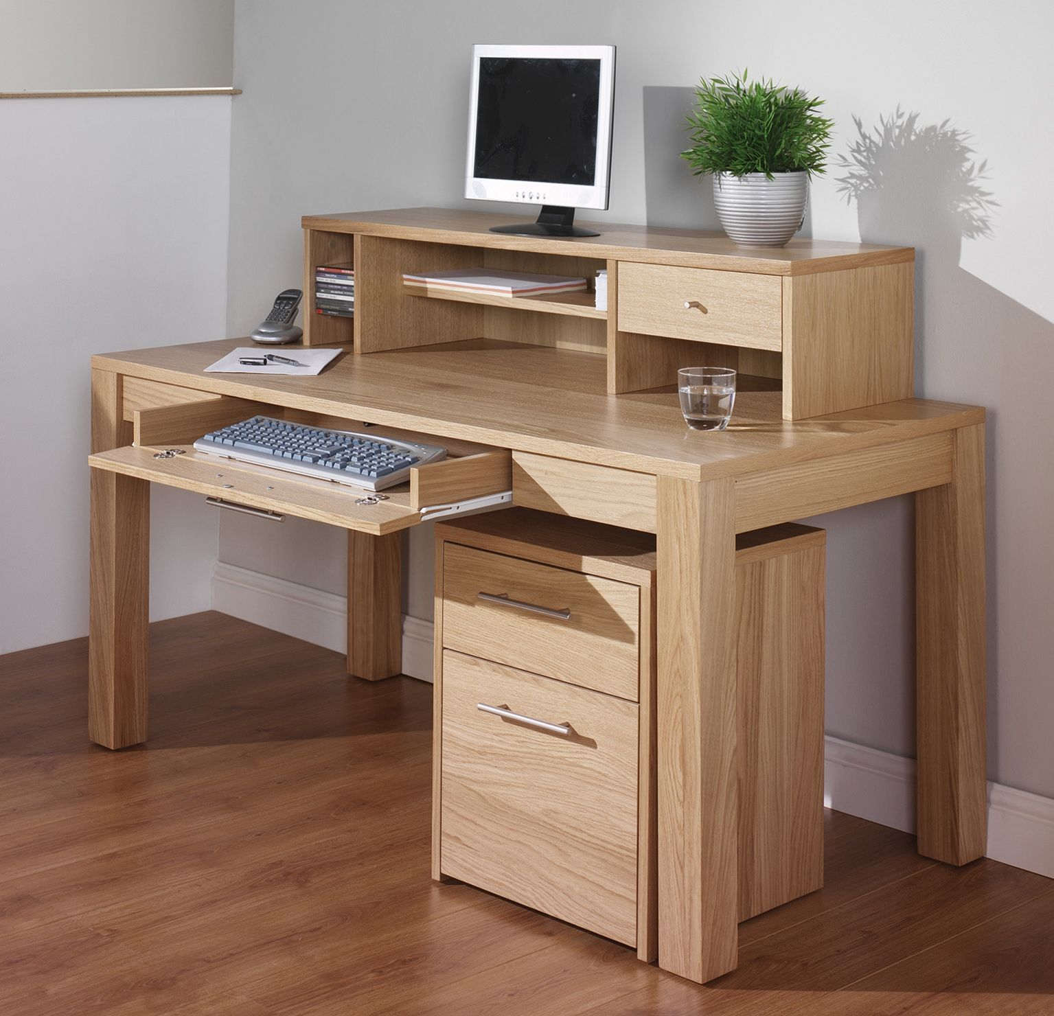 Home office desk with keyboard tray imanage