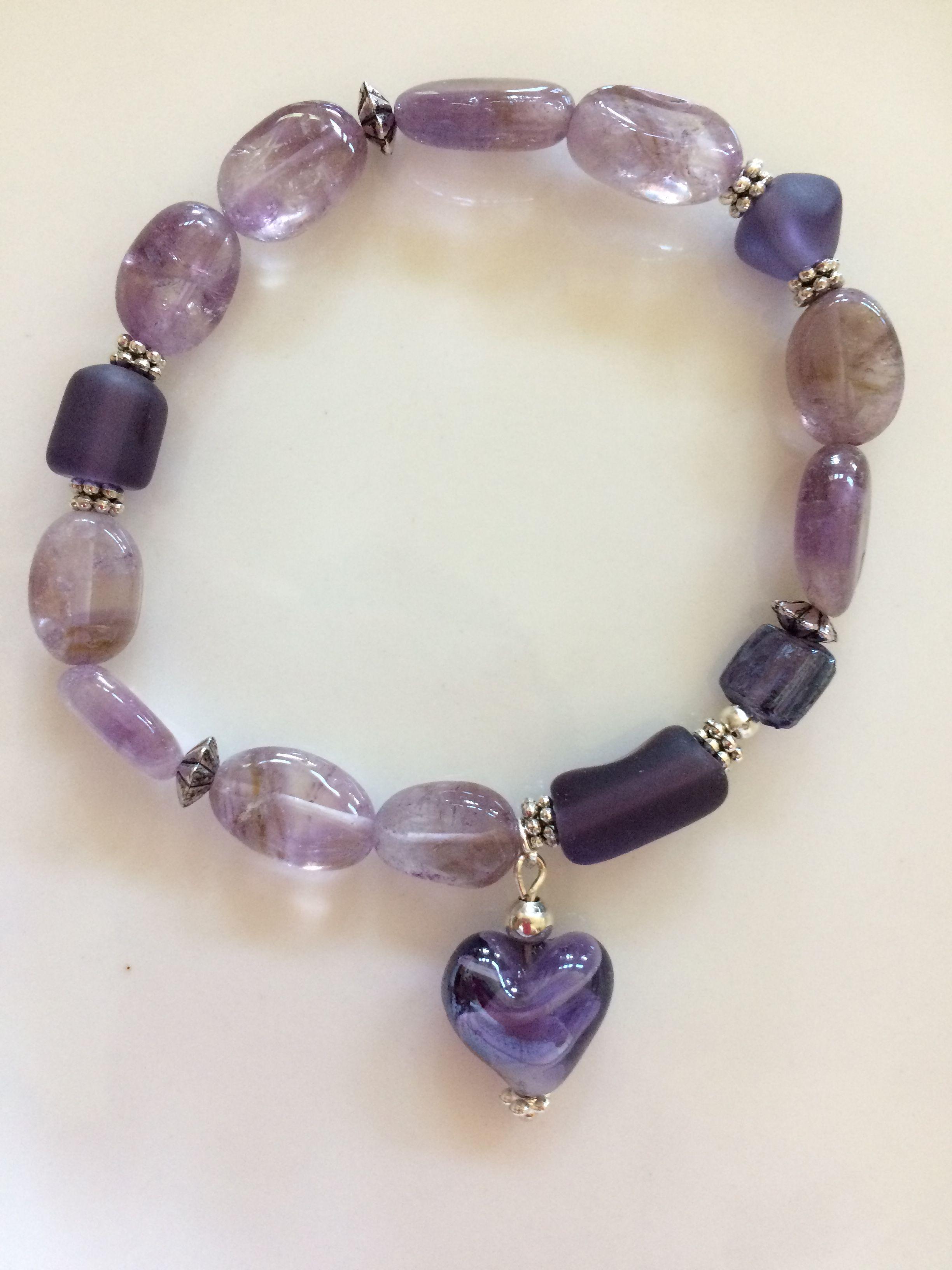 Beautiful Amethyst glass beads bracelet with heart pendant!