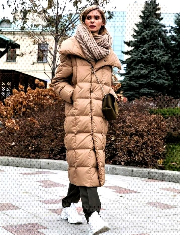 Trend models of outerwear fall-winter 2019-2020. How can a woman stay bright in gloomy and rainy da