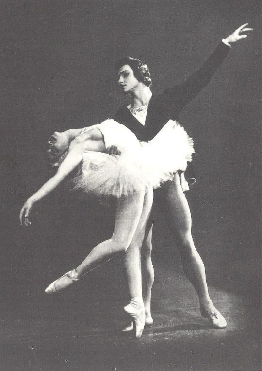 "<<Natalia Makarova and Yuri Soloviev in ""Swan Lake"" (1960s)>>"