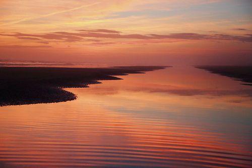 È un pò di cielo quell'amare di due lingue di cuore che parlano il mare dell'anima.. Buona giornata in #poesia :-)