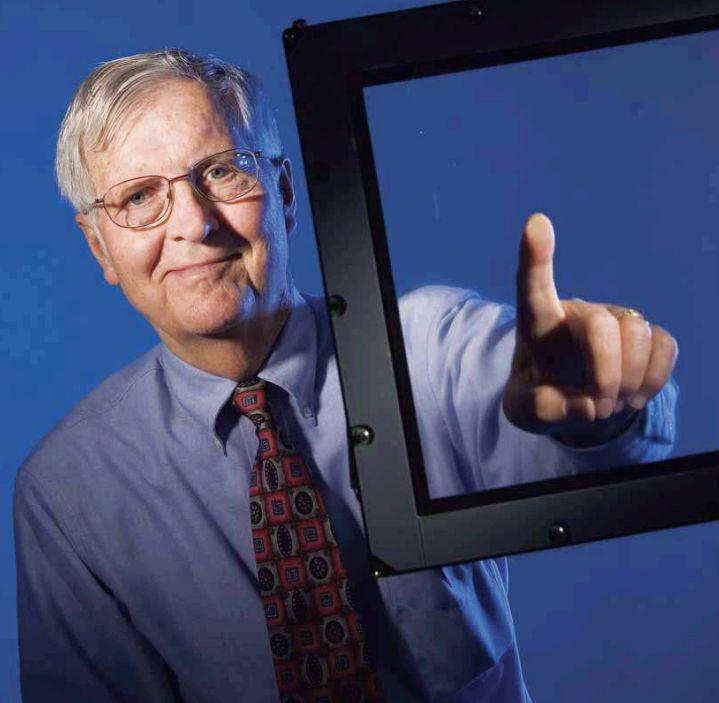 Las pantallas táctiles se han ido haciendo populares desde la invención de la interfaz electrónica táctil en 1971 por el Dr. Samuel C. Hurst.
