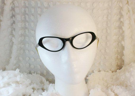 Vintage 60s Cat Eye 1960s Eyeglasses Black Oval Silver Etched Aluminum Temple Medium 46/20 USA Optical Frame