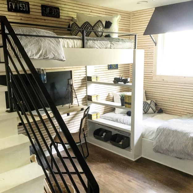 15 Decor Tips From Fixer Upper S Jo Gaines You Ll Want To Steal Immediately Fixer Upper Attic Remodel Attic Renovation