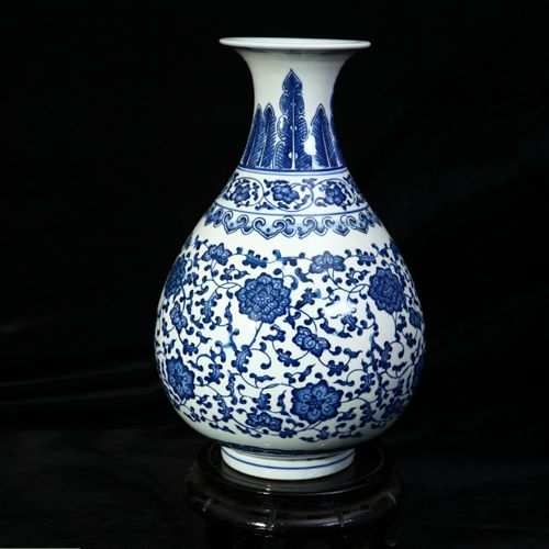 Ceramic antique vase Lotus Scroll