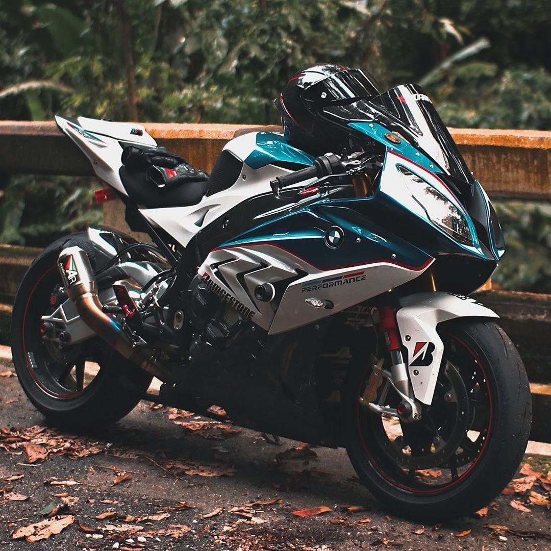 Wyzzw On Instagram Breathe Breathe S1000rr Bmws1000rr S1k S1krr Bmws1kmalaysia In 2020 Bmw S1000rr Bike Bmw Sports Bikes Motorcycles