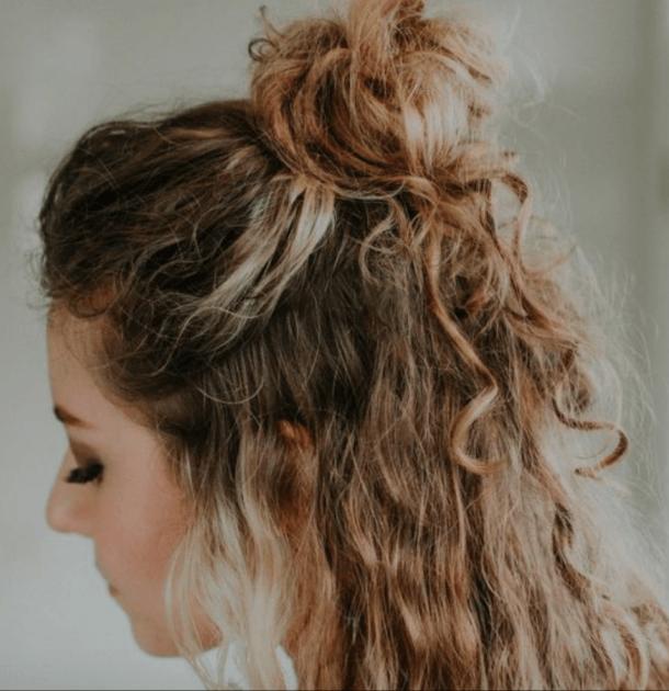 35 Best Half Up Bun Hairstyles That Don T Look Messy Hair Styles Bun Hairstyles Curly Bun Hairstyles