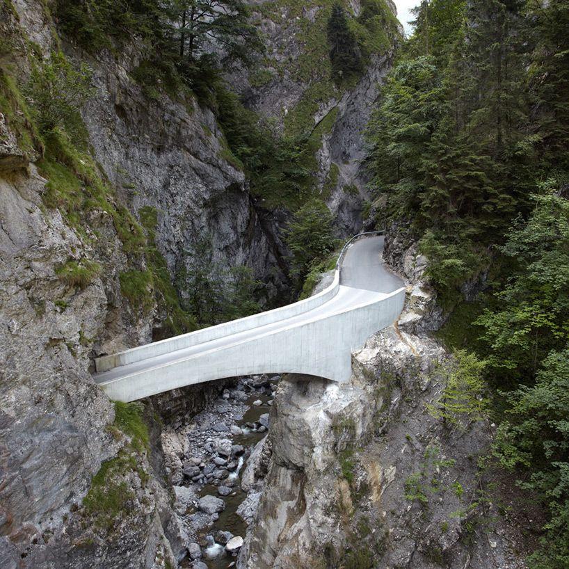 marte marte architekten arches schaufelschlucht bridge in austrian mountains  http://www.designboom.com/architecture/marte-marte-bridge-schaufelschlucht-08-21-2014/