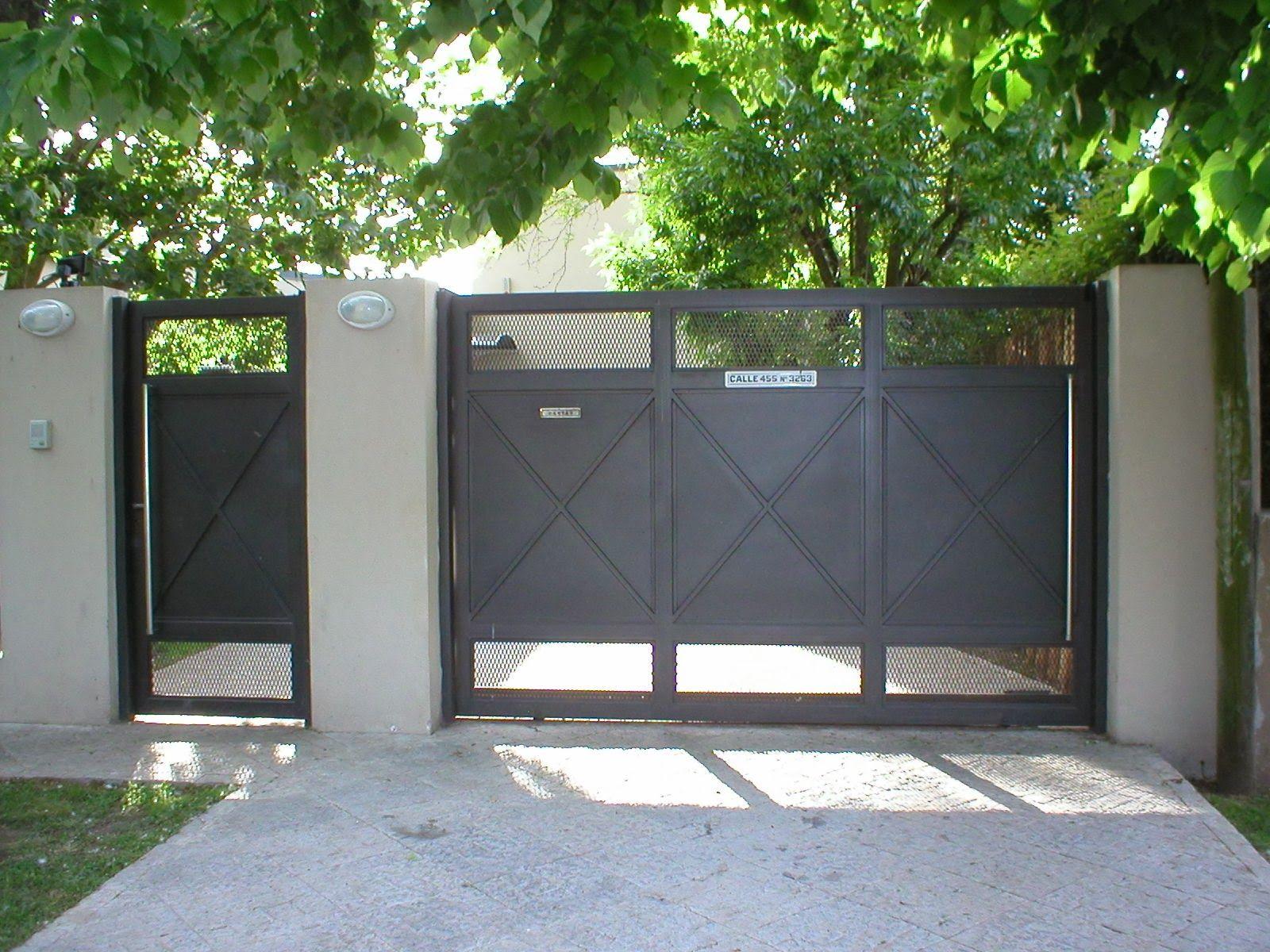 Portones corredizos buscar con google toranto facade for Modelos de puertas de hierro con madera