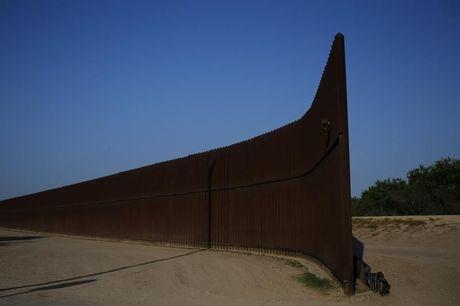 Muur tussen VS en Mexico