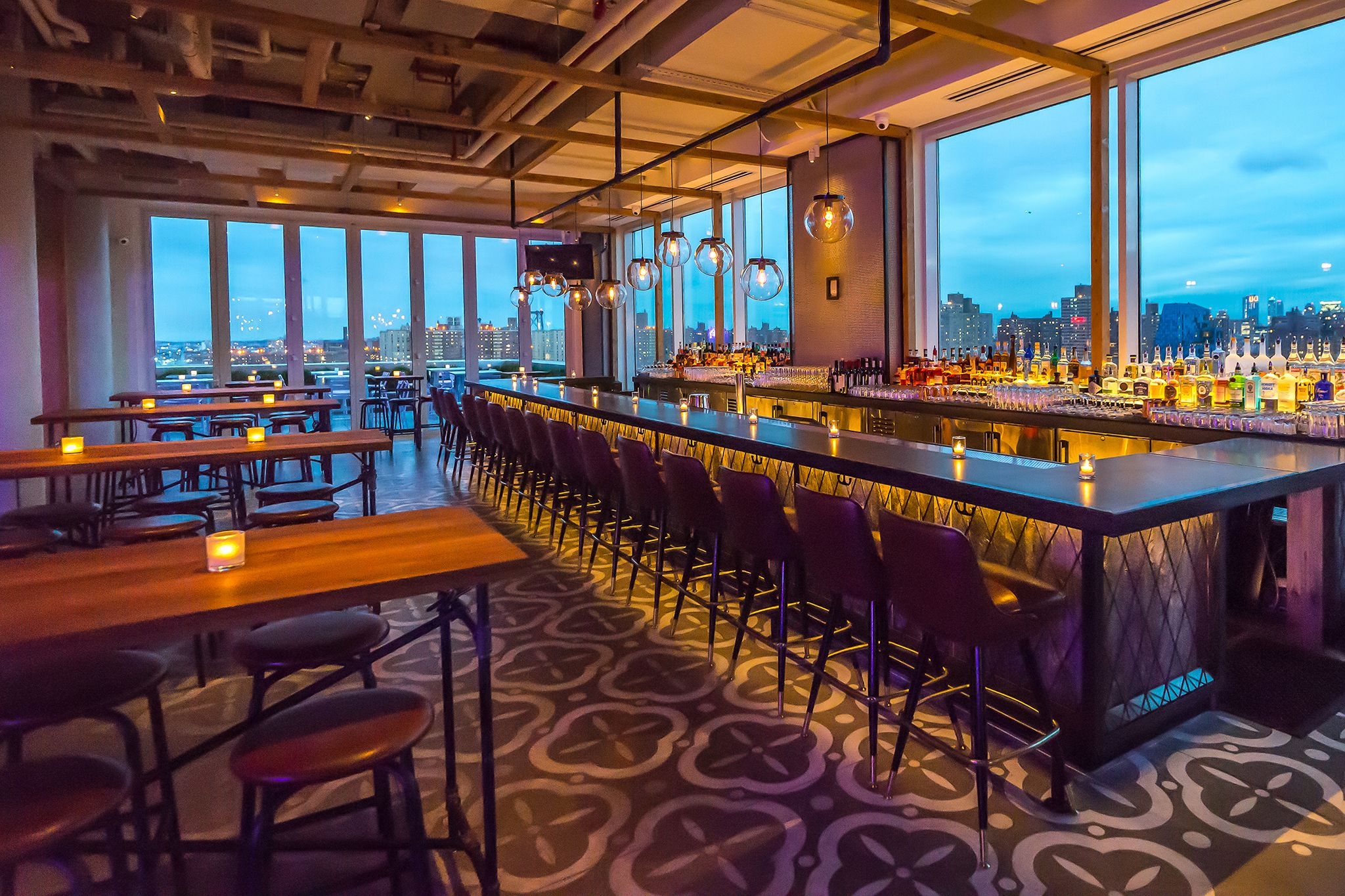 Glorious Views And Delicious Food All At The Same Time Here S Our Essential Guide To Dining Outdoors With Best Rooftop Restaurants Nyc Has Offer
