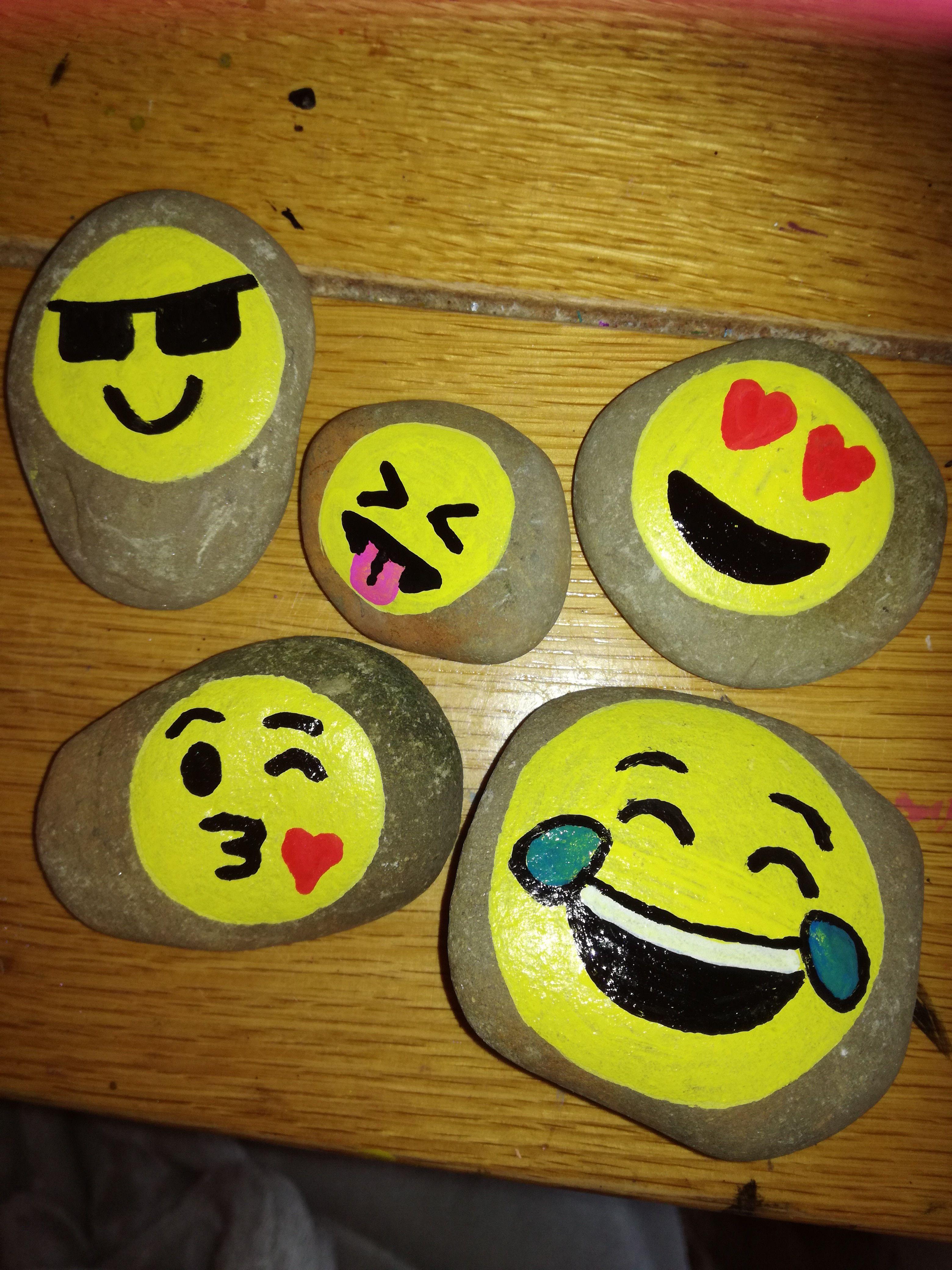 Emoji Painted Rocks Painted Rocks Painted Rocks Kids Rock Painting Ideas Easy