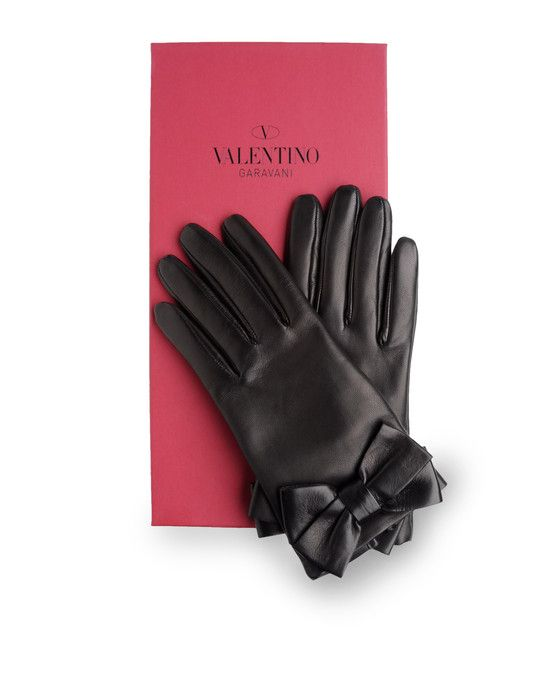Valentino gloves. Yes 5eec30f6b44d
