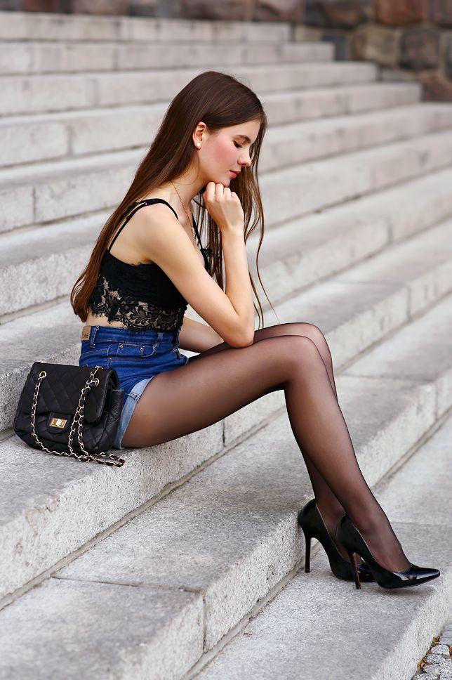 public ffentlichkeit sexy hot long legs lange beine. Black Bedroom Furniture Sets. Home Design Ideas