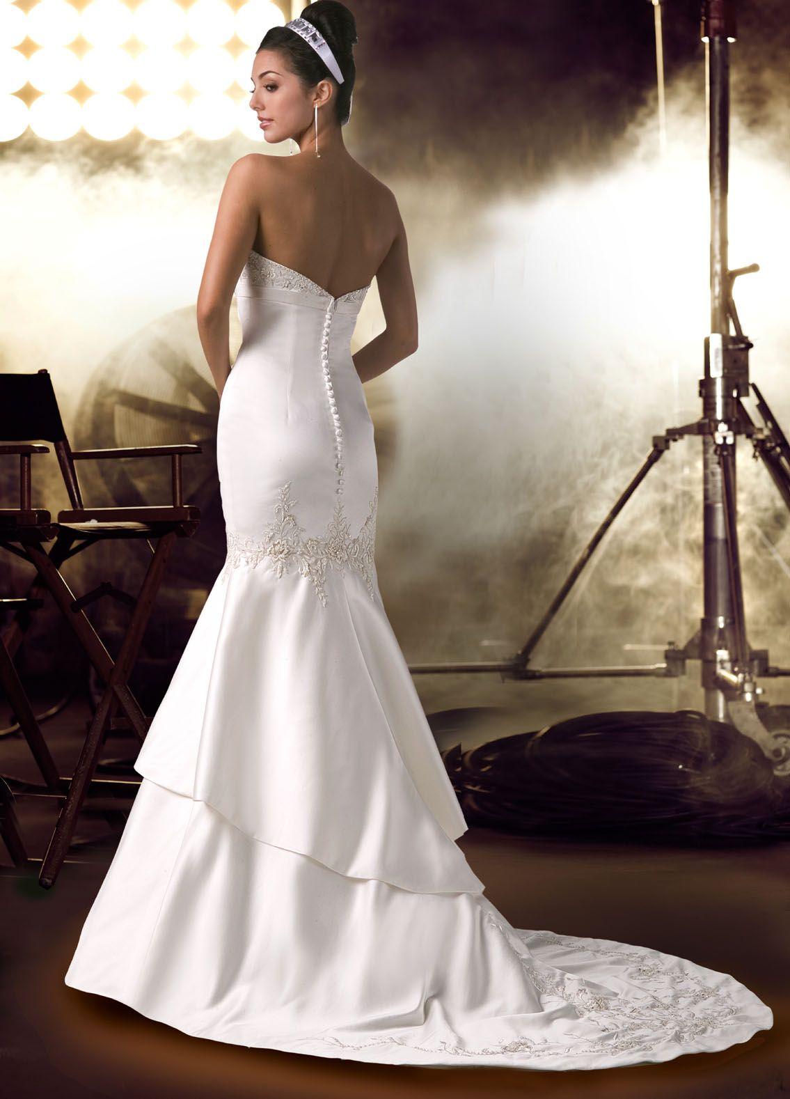 Creative wedding photos unique wedding dress should represent creative wedding photos unique wedding dress should represent your needs of becoming unique ombrellifo Gallery