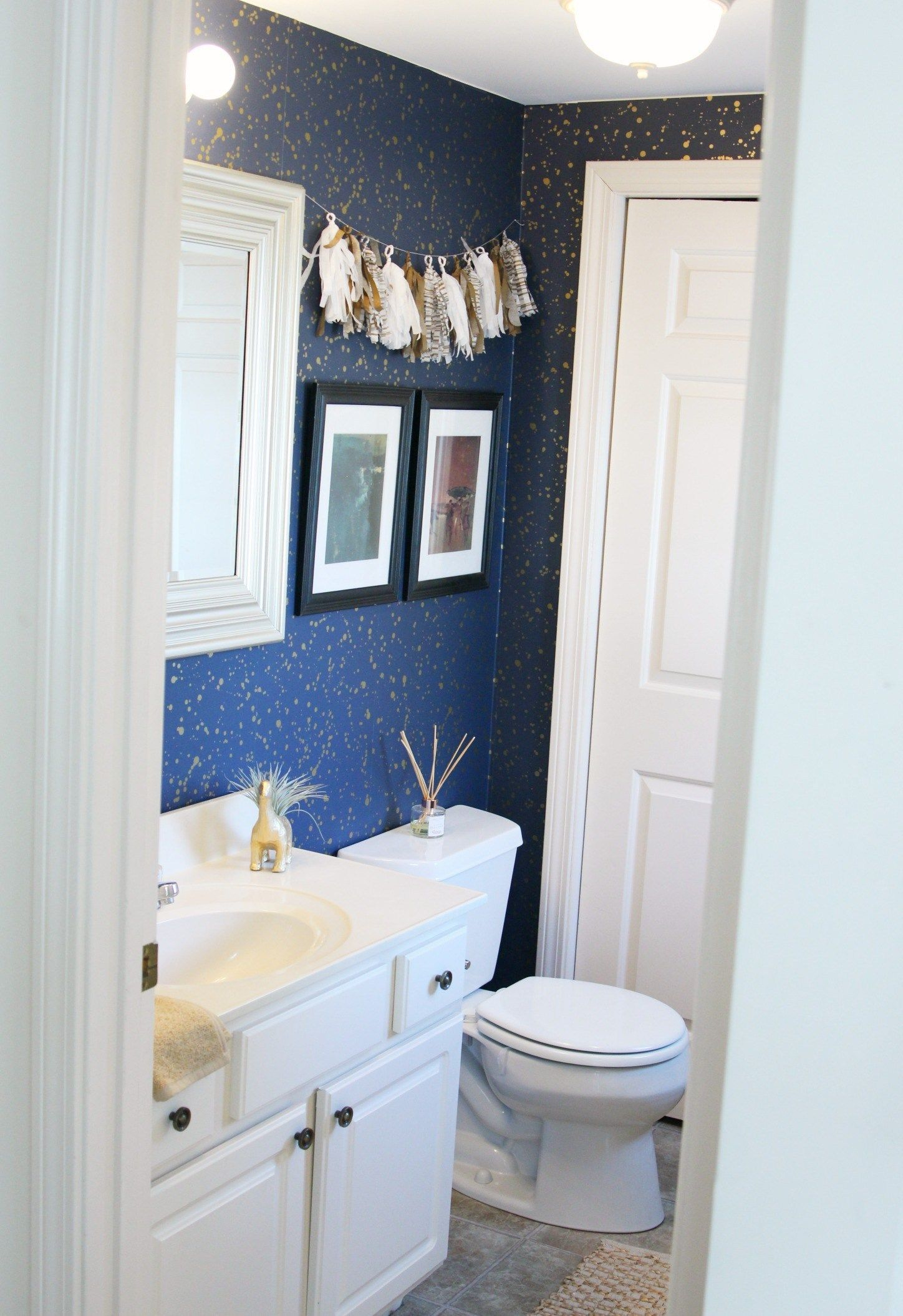 How to Decorate Your Rental Space? Bathroom Rental Decor ...