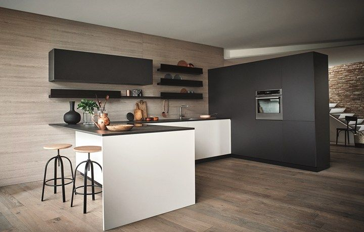 Maxima 22 wears two new finishes Sophisticated surfaces for Cesar