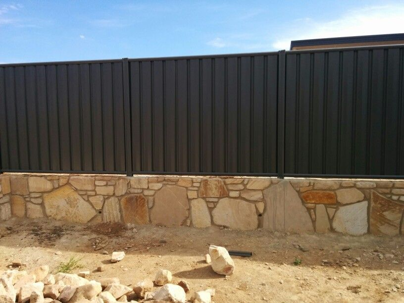 Colorbond Fence On Our Sandstone Retaining Wall Retaining Wall Limestone Wall Sandstone Wall