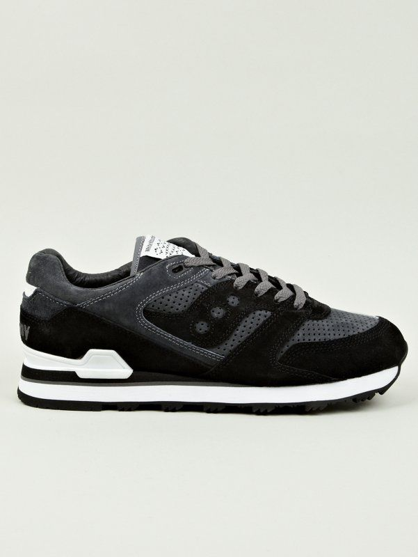 aaa7c324e522 WHITE MOUNTAINEERING X SAUCONY MEN S BLACK COURAGEOUS SNEAKERS