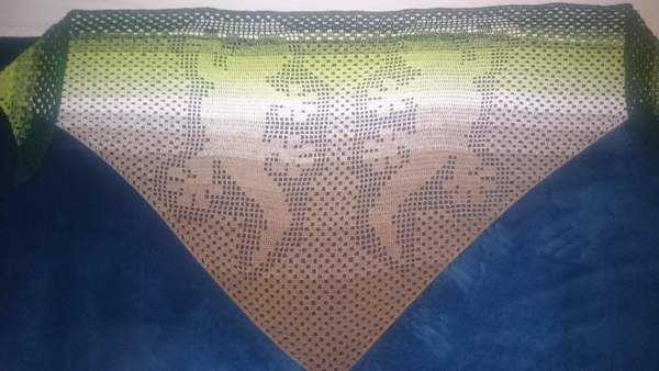 Jetzt Mit Der Pdf Anleitung Ein Dreieckstuch Mit Gecko Motiv Häkeln