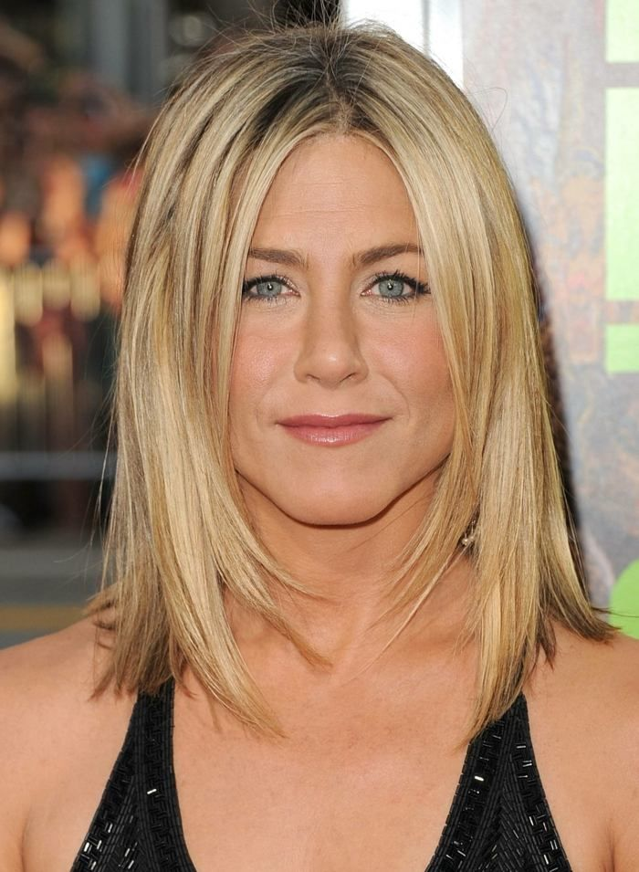 jennifer aniston mit schulterlangem haarschnitt. Black Bedroom Furniture Sets. Home Design Ideas
