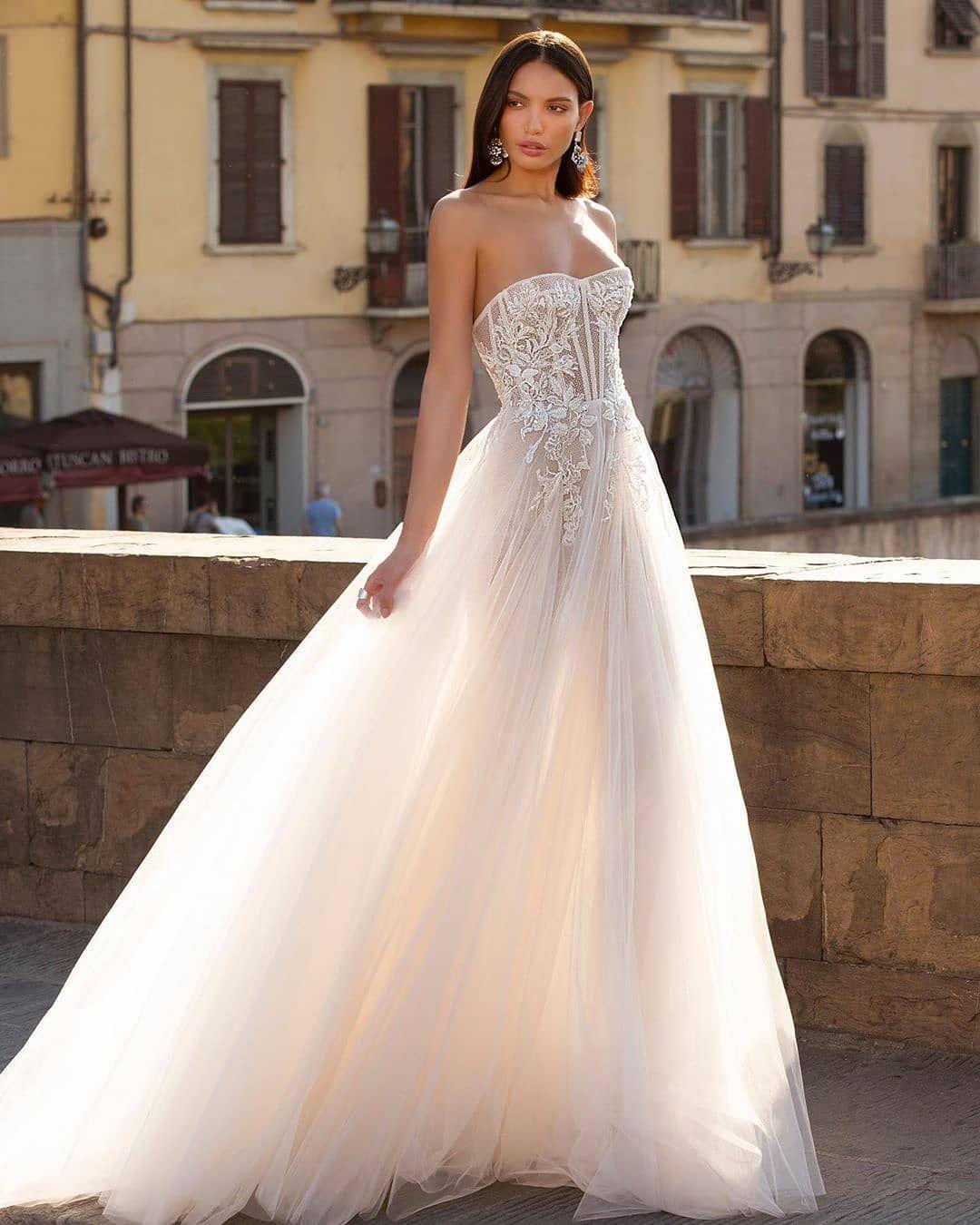 Hera Dresses On Instagram H E R A Dress By Berta Fashion Style Fashionable Newy Berta Wedding Dress Wedding Dresses Julie Vino Wedding Dress