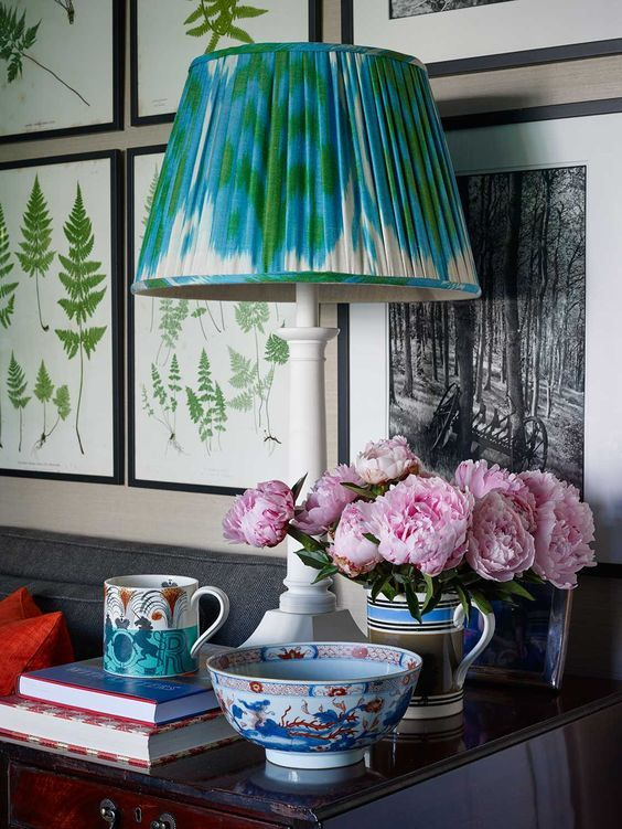Look To Love Chic Shades English Decor Decor Inspiration