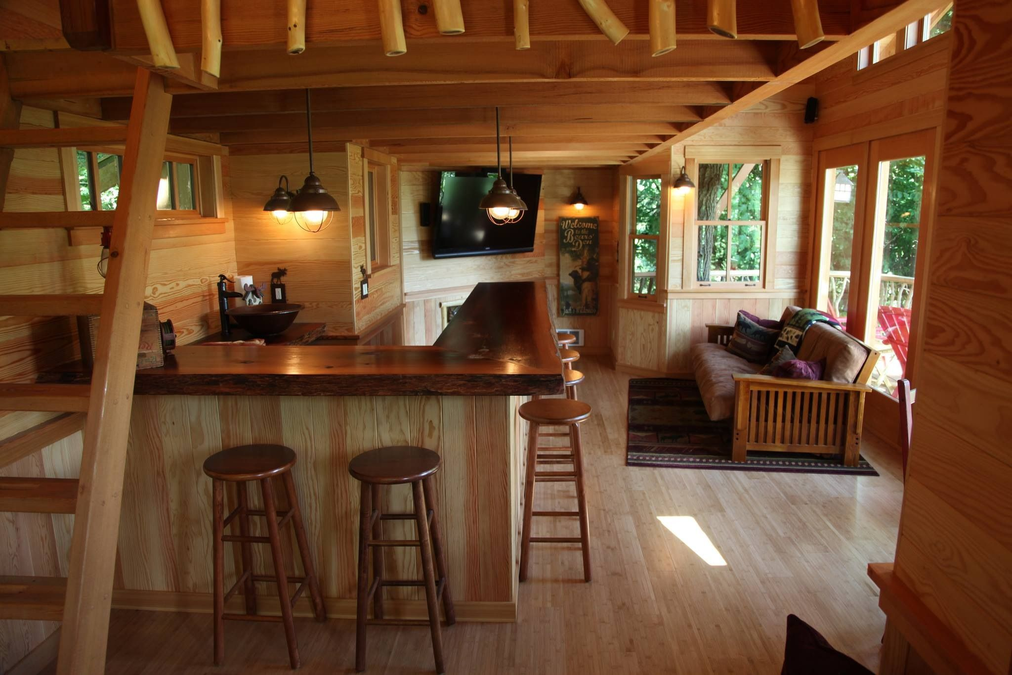 Cabins/Treehouses/Tiny Houses