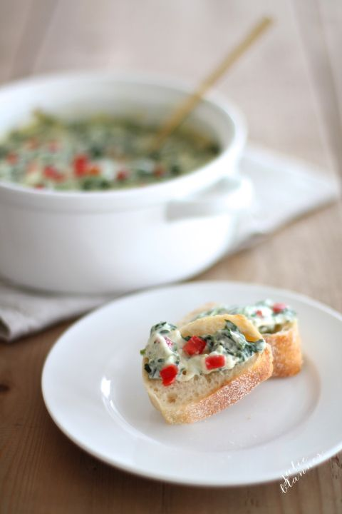The creamiest spinach cheese dip recipe - last minute New Year's Eve appetizer