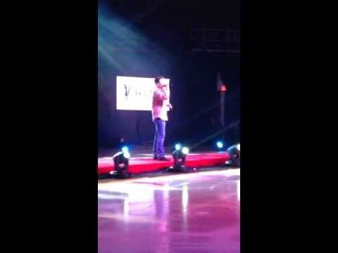 Scotty McCreery - America The Beautiful @Izod Center  Tribute to American Legends of The ice credit to Becky Weitzel