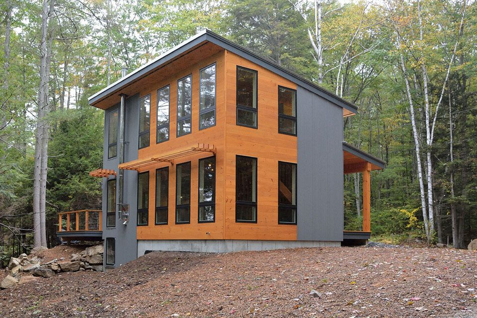This Beautiful Modern Cottage In Maine Measures 1 000 Sq Ft In Total The Retreat Is Designed By David Matero Modern Tiny House Tiny House Design Small House